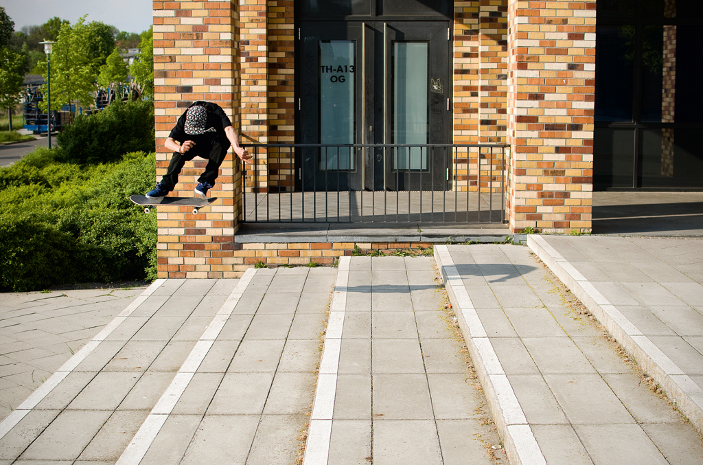 Daniel Ledermann - Kickflip